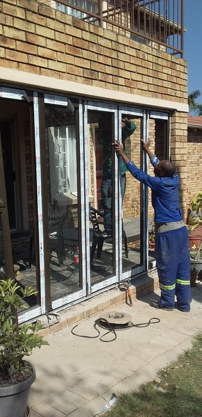 5 panel folding doors picture
