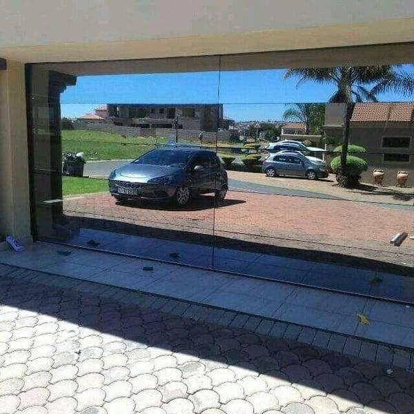 Mirrow or flash garage doors picture