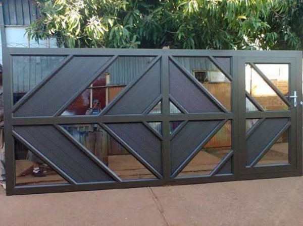 Garage doors and gate manufacturing and installations picture