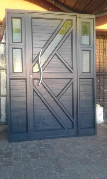 Designed beutiful aluminium Doors picture