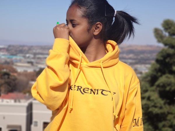 Serenity® s19 yellow hoodie picture