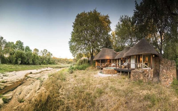 Lodge Safaris in Southern Africa picture