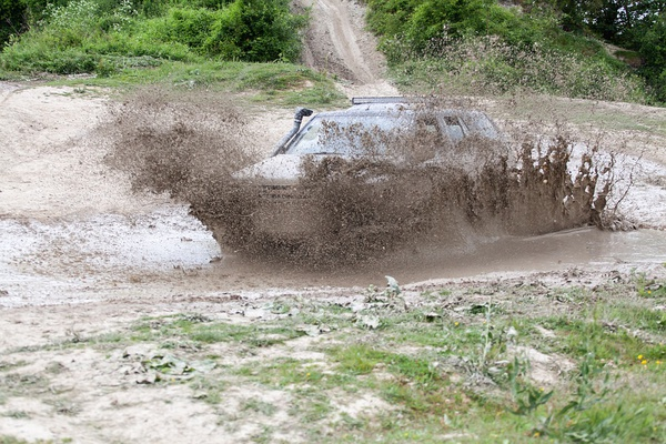 Mud driving picture