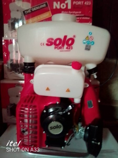 Solo spraying machine picture