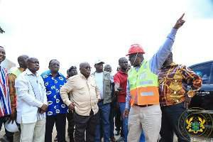 ¢1.6bn arrives at ministry of roads;'go for your money now'-gabby to contractors. picture